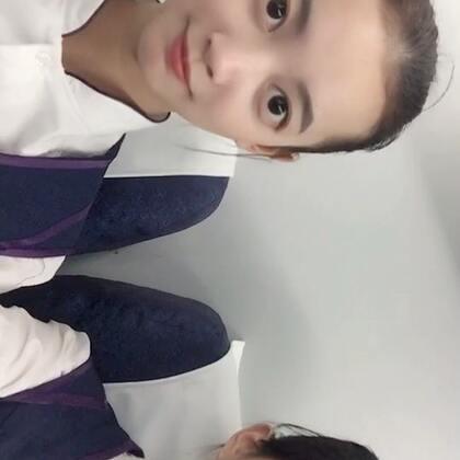 #泰国魔性舞##我要上热门##亚洲天使爱瑞丽#机舱真是太挤了动作做不开😂😂