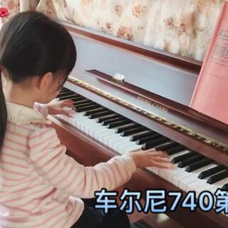 #U乐国际娱乐#车尔尼740第二条,最近是勤劳的小蜜蜂,练习曲也在不断的练习中有了进步,手指的支撑和传递的感觉更好了一些。