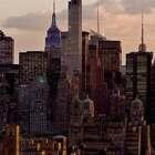 #囧囧趣闻#超清纽约延时摄影,不仅在高空展示了纽约市一天光影的变化,甚至还让高楼大厦变成一个个琴键,敲打出清脆悦耳的音符~太赞了👍👍