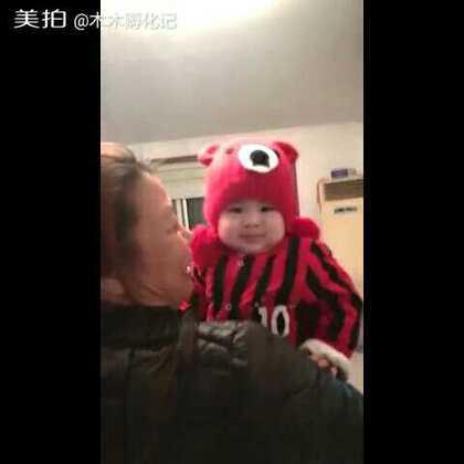 #宝宝##木木孵化记#奶奶送给我们木木的小帽子~~木木是不是萌萌哒😊