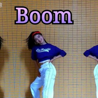 终于更新啦!感觉又回到了美拍的怀抱😉,两个月来,都在跟时间赛跑,不曾停歇,心里装的,爱的都是舞蹈,赶在最后的时间,来参加#敏雅舞蹈大赛##舞蹈##boom#😍