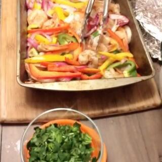 墨西哥虾肉卷 美食 #美食##墨西哥食物##吃货#