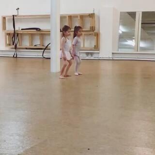 芭蕾舞课 #宝宝##精选#