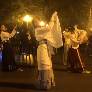 11.22汉服出行,青花瓷版礼仪之邦,同袍在哪里?#汉服##周杰伦##舞蹈#