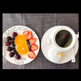 ✨夕溪的早餐✨牛尾汤是提前熬好的,然后早上起来就可以和海参一起煮就好了,减脂期间营养一定要跟上,否则伤身体。#营养早餐##低卡减脂餐##美食#🌹🌹🌹