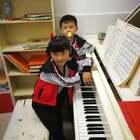 """前几天给仔仔和天爱做的直播,分享给大家!感谢各位网友的点赞和送的礼物,谢谢大家对他俩的喜爱,在今后的学习中继续努力!特别感谢""""😊😊开心😊😊""""网友送了N多礼物!#音乐##钢琴##热门#@美拍小助手"""