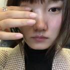 今天我吃的是....广东海鲜火锅,还在飞机上自己做了个指甲~你们吃的什么?
