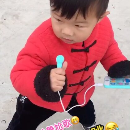 #宝宝#这几天一直带他,再过1个半月整3周岁啦,时间过的真快,小家伙也越来越懂事,每天自娱自乐😁还让我生小妹妹玩😂#宝宝跳舞#天气冷了