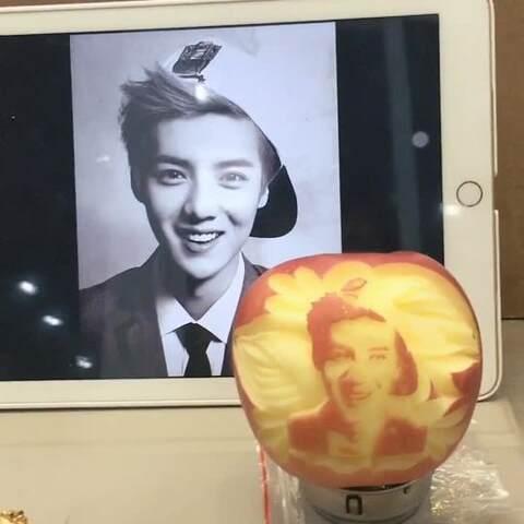 苹果在空调!网友在明星上雕出民间脸~像不像呢昂视频加高手图片