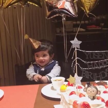 祝我的大宝贝生日快乐,永远健康快乐😘😘😘👦🏻#宝宝##Yusen一岁啦#