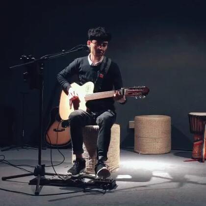 #我要上热门##吉他弹唱# 歌曲:有没有人告诉你 其实自己感冒挺严重的,录出来好像也听不出感冒😓😓😓
