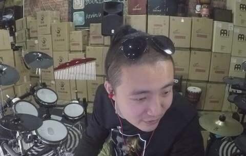 【凯文先生在路上美拍】#音乐##手鼓##非洲鼓# 二后生 凯...