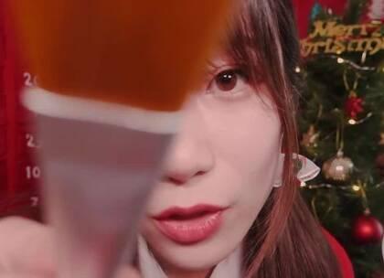 #助眠视频asmr##Latte asmr##ASMR触发音#圣诞特辑。昨天丢掉的是上次的模拟皮肤护理店的后续,我有点懒得重新搬了,就这样吧~~😂明天更新✨PPOMO✨请戴耳机食用💤