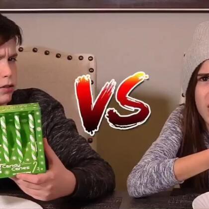 #热门#拐杖糖 VS真正食物!圣诞节快到了,我们买了好多拐杖糖,话说猴子们最近是不是吃太多糖了!#搞笑##圣诞节#