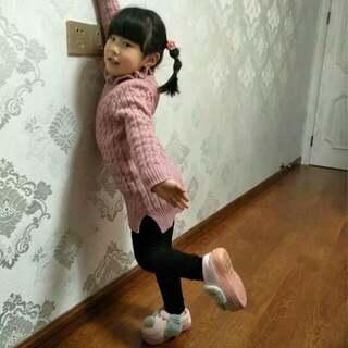 小丫头的自编自舞,火热来袭😄😄 不服来战👈👈 <危险动作,小朋友请勿模仿哦> 😊😊 #直播舞蹈#