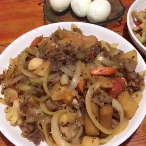 【潇岩💕〽️〽️美拍】#吃秀##潇岩的早餐#适时的退让并...