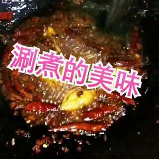 #涮煮的美味##街边小吃##麻辣烫#简单卫生又好吃,想吃什么自己配什么,还在犹豫啥子???❤❤❤@美拍小助手 @美食频道官方号