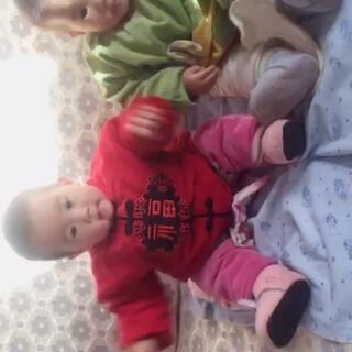 #宝宝##最萌双胞胎#哪个是姐姐?哪个是妹妹?