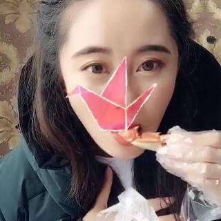 #千纸鹤红海舞##吃秀#辣螃蟹腿