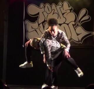 【街舞情报局™】🇯🇵ABANDON团队freestyle齐舞(TRUE SKOOL 2017)非常有想法的编排#freestyle##舞蹈##街舞hiphop#