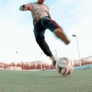练练不一样的动作⚽#运动##足球#
