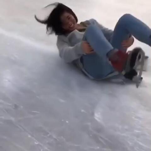 【渣渣辉嘻嘻美拍】#精选#去滑冰的故事。。。