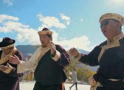 实拍中国最早的一个新年, 穿民族服装载歌载舞, 吃特色美食祈求美好#二更视频##新年##我要上热门#
