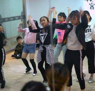 #厦门街舞##hiphop#舞宫公园店2017年最后一季度考核视频回顾 [:摄像机]nice kids!#美拍小助手#😏