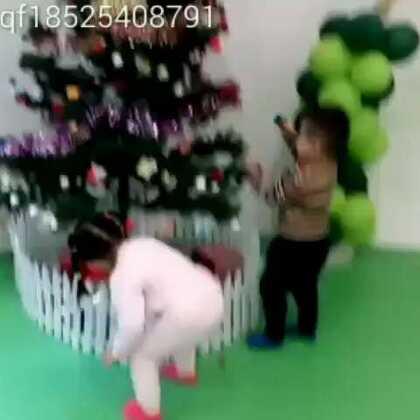 #美拍大师#提前预祝、宝贝!外孙女、圣诞节!快乐!玩的开心~😘👍🌹😃👏🙏🎄🎄