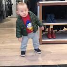 昨天去商场逛逛,小样听见音乐就开始摇摆!14M➕15D