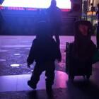 再来一个昨天晚上路过大妈舞,frank无法自拔开始领舞起来!14M➕15D