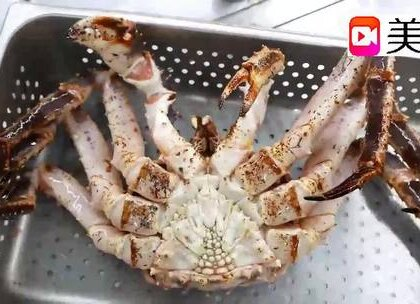 实拍韩国街头美食,看看厨师怎么烹饪大螃蟹,看了都留口水!