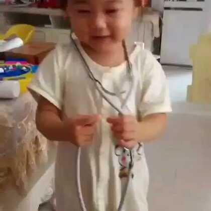 #美拍大师#宝贝!2岁多、妈咪在问宝贝!戴听听诊器、干嘛呀?宝贝!回答:果果:是医生、妈咪又问?医生是干嘛的?果果:回答:扎针、宝贝!好可爱!好聪明~😘👍😂👏👏👏