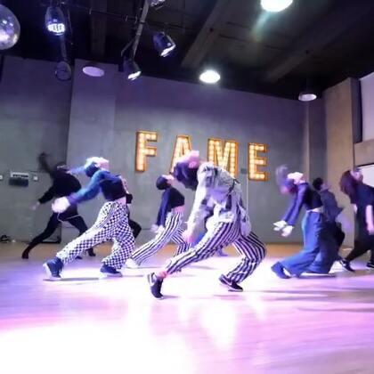 #舞蹈#我11月末@TheFame舞蹈工作室 Waacking Class编舞作品《Ohh Ohh Baby》致敬下布兰妮😜❤️Waacking和Jazz的融合编排。☺️#Waacking##布兰妮#