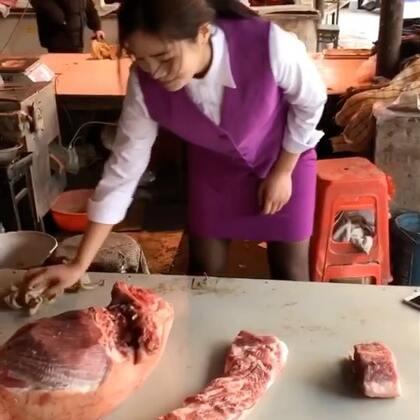 宝马女销售改行卖猪肉了@荣蓉吖💋