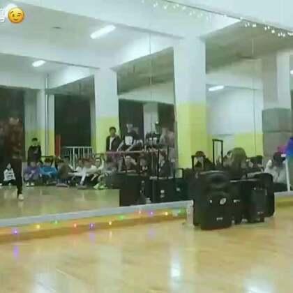 .编舞:CHANEL 音乐:不得不爱#舞蹈##urban dance#
