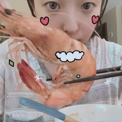 #美拍陪你过圣诞##吃秀##直播吃饭#直播吃东西#扇贝松茸面 大海虾 小嘴鱼 简单的午餐🥣