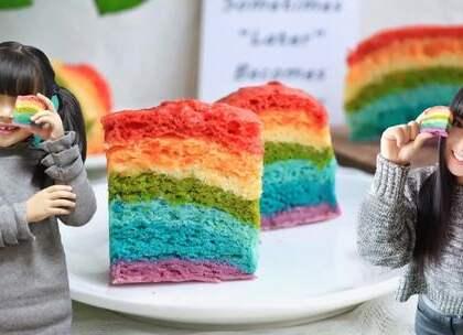 【彩虹发糕】彩虹的颜色,你喜欢吗?我家宝贝就超级喜欢的,出锅后就迫不及待的直接吃了一大块。这款没有色素的、纯天然的彩虹发糕,会不会激起你的食欲呢?#宝妈享食记##美食##元旦家宴菜#前几次看到有小伙伴说想要这款揉面垫,那这次就送这个吧👉https://college.meipai.com/welfare/22f79f7afe64f957