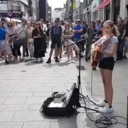烟嗓萝莉街头弹唱#音乐#