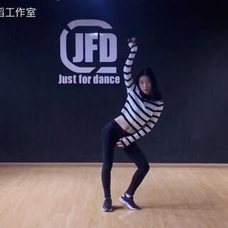 #我要上热门@美拍小助手##我的新衣舞蹈#莉子个人版🎉🎉进步超级大的学员,继续加油!