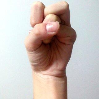 #奇葩手指大赛##手指挑战##xx手指挑战#宝宝们我是不是最胖的😜