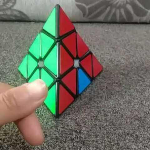 三角魔方还原教程完集,下一个视频会发三阶魔方还原教程,但是只还原两