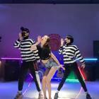 ✨超性感翻跳《Lip&Hip》,非常喜欢泫雅的新舞,拉上@大哲Zhermao 他们一起录了~很用心,希望你们喜欢 #精选##舞蹈#别忘了点赞哦❤️