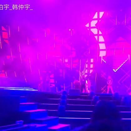 宝宝们你们的#黄子韬#今年东方卫视31号跨年演出,大家敬请期待#我要上热门##舞蹈#