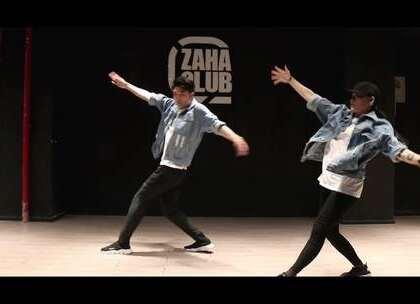 柳柳老师的超赞的中文歌编舞来咯! @BZ柳柳_曾EVA 经典中文歌编舞《不得不爱》! 真的是让小编也不得不爱啦,小伙伴们快来感受柳柳老师的编舞吧! #舞蹈##嘉禾舞社#@嘉禾舞社广州