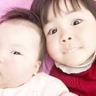家庭生活中,其实更多的是孩子在陪伴着我们!因为大人的世界有太多的情感,而孩子的世界是最单纯的,开心或者不开心!每天看Vivi和Nono的互动,好笑好玩好有乐趣!这是孩子给我的陪伴!#宝宝##V&N时刻##Nono1m#