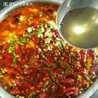 #网红美食大盘点##美食#今天煮的家常版麻辣水煮鱼,有没有喜欢吃的,举个爪😄😄,家里没配菜了,我就光煮了鱼