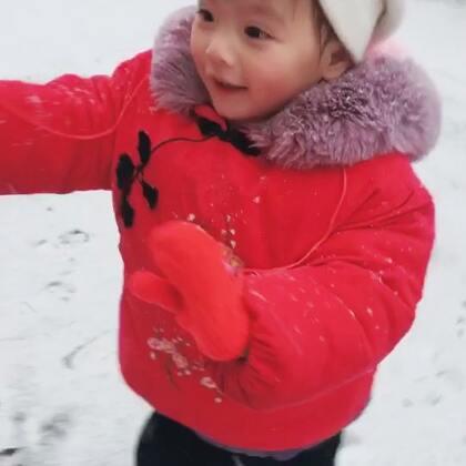 #宝宝#下雪了 高兴坏了