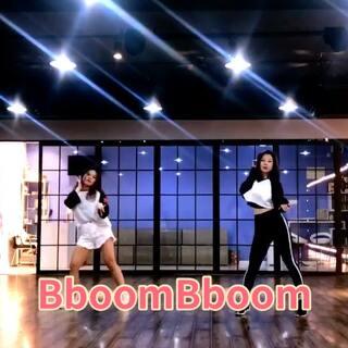 #momoland - bboom bboom#谢谢深夜陪我录视频的小可爱@王小琦 这首歌真的洗脑!#敏雅U乐国际娱乐#@敏雅可乐 #舞蹈#