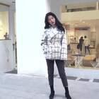 北方的冬天棉衣羽绒服可是必备的,就算再爱美也扛不住寒冷的侵袭。冬天要想穿衣好看又保暖,这在穿搭上可得下一番功夫的。跟着北方妹子学学暖冬#时尚穿搭#,怎么穿既保暖又有潮人时尚感?#暖冬穿搭#原视频链接:http://www.meilapp.com/video/b8367d06/更多美妆视频#美啦app#